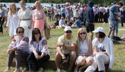 IaMania: festivalul tradițiilor, copiilor, gospodinelor, fashionistelor și al tuturor petrecăreților!