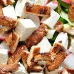 Foto: Salată cu pui și iaurt