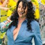 Foto: Dezastru! Lolita, în salopetă jeans și fără sutien la Premiile Muz Tv!