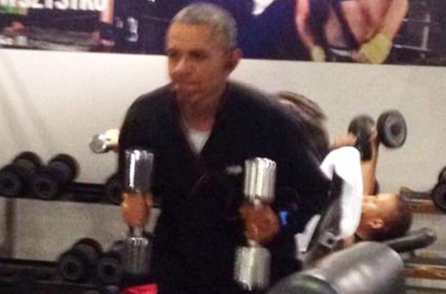 Barack Obama, surprins la sala de fitness!