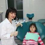 Foto: Cum se face corect igiena orală la bebeluşi?