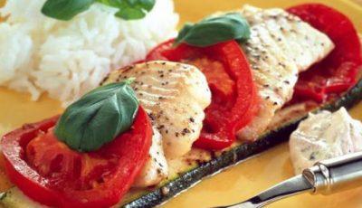 Peşte italian cu roşii