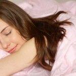 Foto: Pe spate, pe burtă sau pe o parte? Află care e cea mai sănătoasă poziție de somn