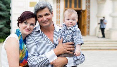 Exclusiv: Imagini de la botezul lui Cristofer Moscovici!