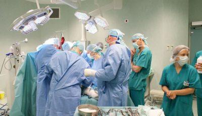 Premieră în medicina de acasă! S-a ridicat în picioare chiar a doua zi după operație