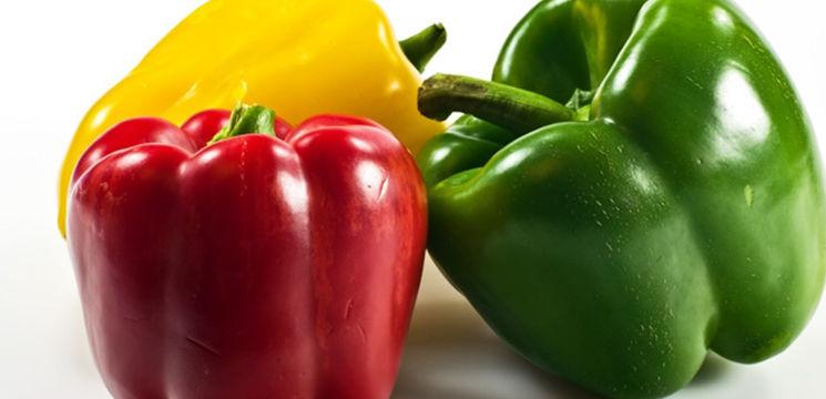 Foto: Ardeiul gras are mai multă vitamina C decât lămâia