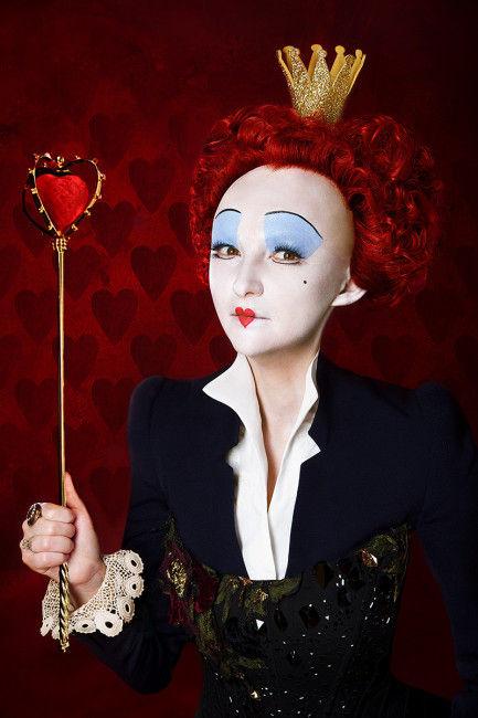 Diana Guja, regină cu fața albă și păr roșcat!