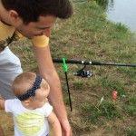Foto: Radu Sîrbu și-a învățat fetele să pescuiască!