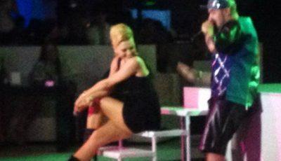 Dianna Rotaru, cu fundul gol pe o scenă din capitală! Ce a pus la cale interpreta?