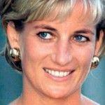 Foto: Așa nu ai mai văzut-o! Prințesa Diana, într-o cămașă legată în dreptul buricului!