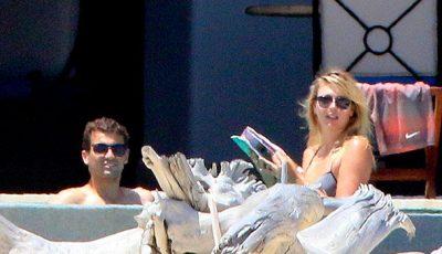 Maria Sharapova cu iubitul la mare! Vezi cine este fericitul!