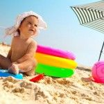 Foto: Cum protejezi copilul de efectele nocive ale soarelui. Sfaturi de la medicii pediatri