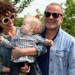 Foto: Cine este copilul din brațele Nataliei Barbu