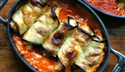 Rulouri de vinete cu brânză în sos de roșii