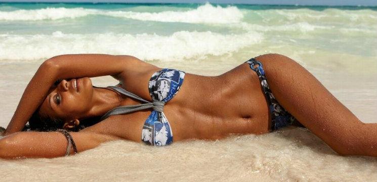 Foto: 3 mișcări simple pentru un abdomen plat!