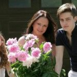 Foto: Sofia Rotaru și-a dus familia în satul ei natal!