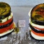 Foto: Turnulețe din vinete cu roșii și mozzarella