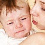 Foto: Bebeluşul tău are colici? Află cum să-l linişteşti atunci când plânge