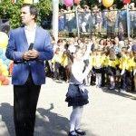Foto: Igor Cuciuc și-a dus fiica în clasa 1 într-un liceu de fițe!