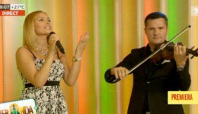 Ascultă aici. Ce-i cântă Cornelia Ștefăneț fetiței ei!