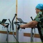 Foto: Bunicuțele din Șișcani au înlocuit munca pe deal cu sala de sport!