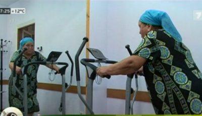 Bunicuțele din Șișcani au înlocuit munca pe deal cu sala de sport!