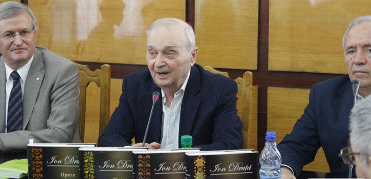 """Foto: Ion Druță """"retrăiește grozav"""" din cauza celor care nu-i citesc operele!"""