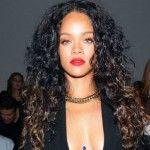 Foto: Rihanna, în chiloți, neepilată pe picioare. Vezi cum s-a afișat la NY Fashion Week