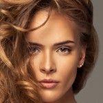 Foto: Trucuri ca să ţii sub control părul ondulat