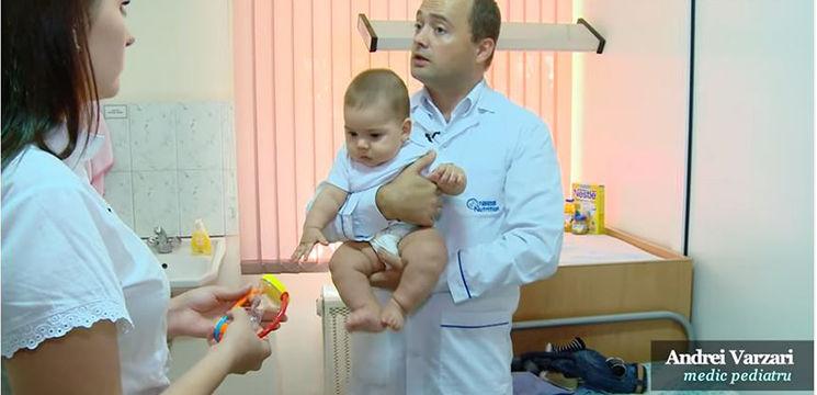 Foto: Reguli pentru diversificarea alimentaţiei la bebeluşi