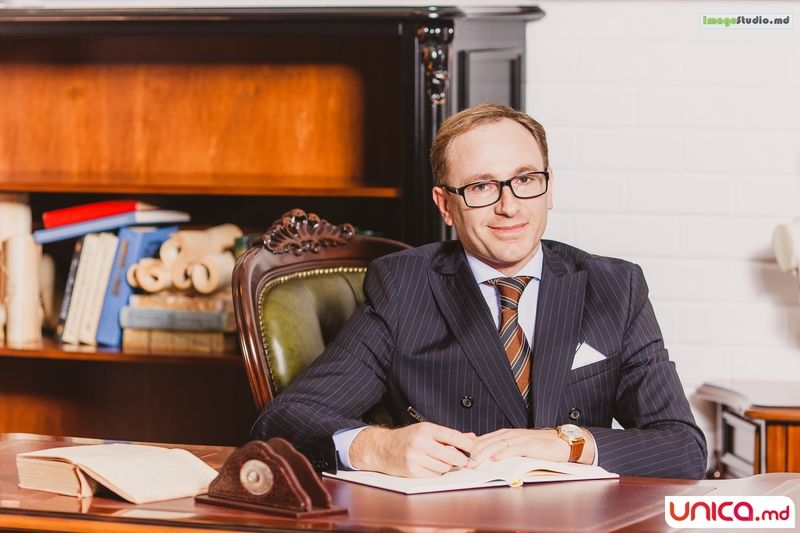 Eduard Digore: Fondator al Casei de Avocatură  care-i portă numele.