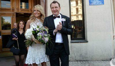 Marat Bașarov i-a rupt nasul soției!