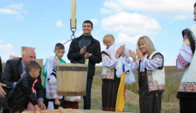 Fântâna Cadânei a fost restaurată din donațiile oamenilor!