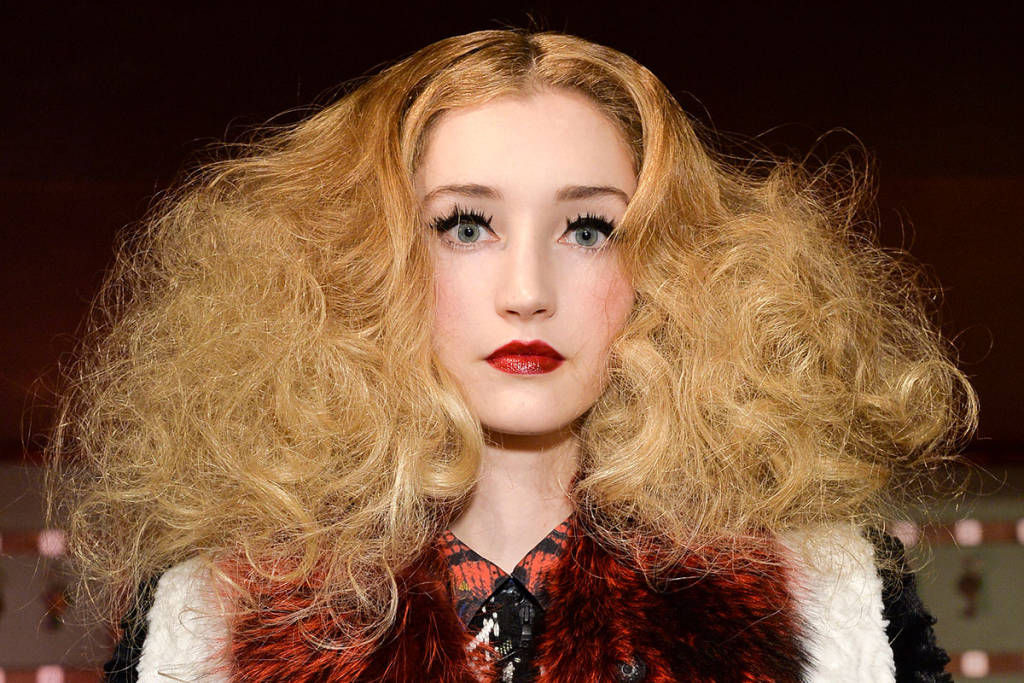 hbz-halloween-makeup-Alice-Olivia-bty-F14-002-38827222-lg