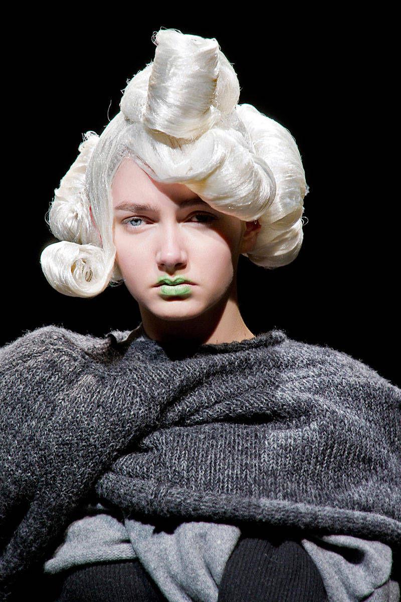 hbz-halloween-makeup-Comme-Des-Garc-bty-F14-006-30400844-lg