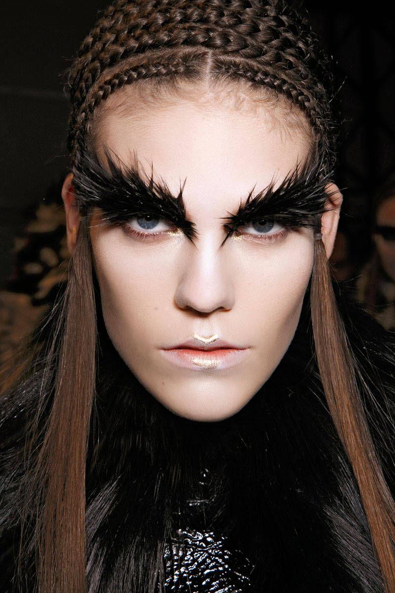 hbz-halloween-makeup-McQueen-bbt-F14-014-6945519-lg