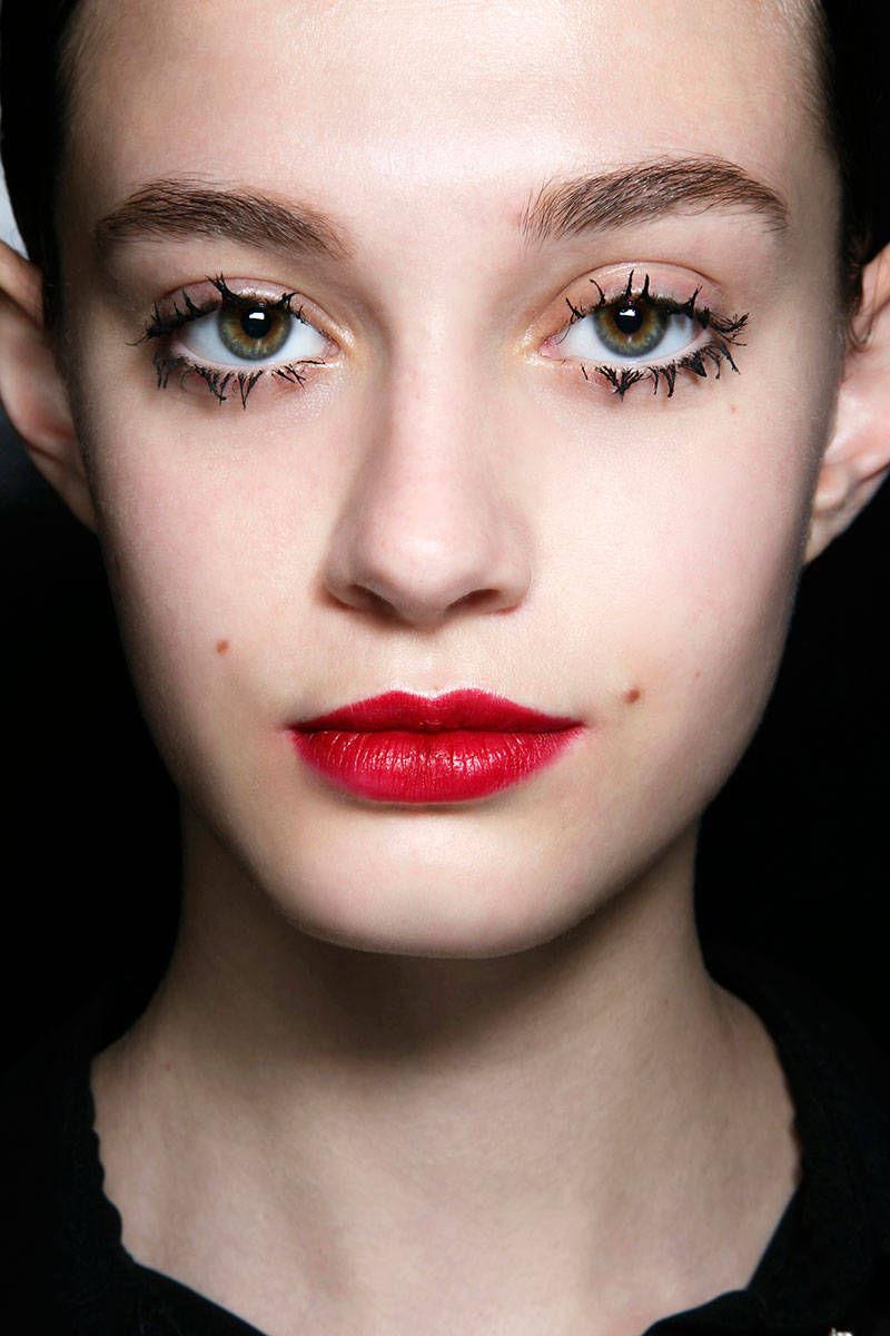 hbz-halloween-makeup-Prada-bbt-F14-003-66564358-lg