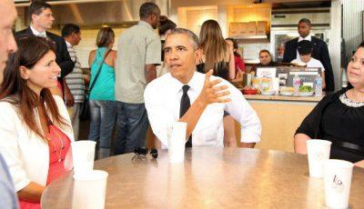 Barack Obama nu a avut cu ce achita masa la restaurant!
