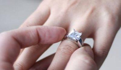 Cum cureţi inelul de logodnă?