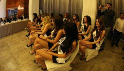 """O moldoveancă a câștigat titlul """"Miss Photogenic"""" în Liban"""