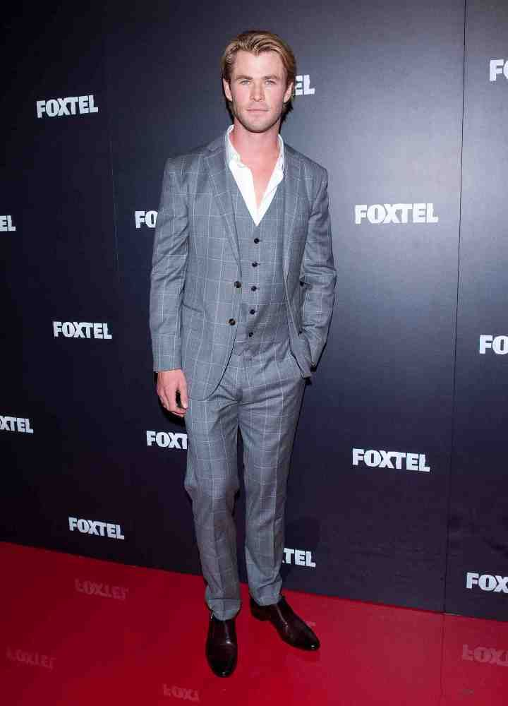 Chris-Hemsworth-barbat-sexy-in-viata2