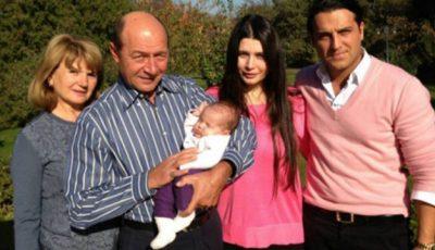 Traian Băsescu a devenit bunic pentru a doua oară. Poze