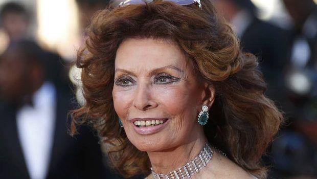 Sophia-Loren--marturisire-uluitoare-despre-operatiile-estetice----Am-incercat-mereu-sa-nu-ii-ascult-pe-acesti-oameni-