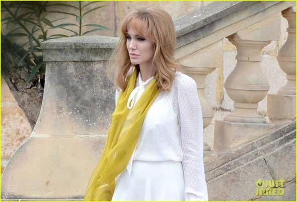 angelina-jolie-blonda