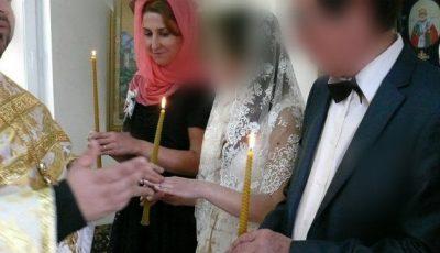 O interpretă de la noi s-a căsătorit. Soțul este cu 30 de ani mai în vârstă!