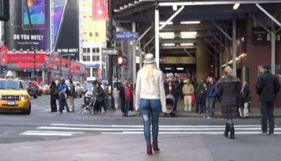 Experiment social. De ce a ieșit o femeie goală  pe străzile din New York (VIDEO)