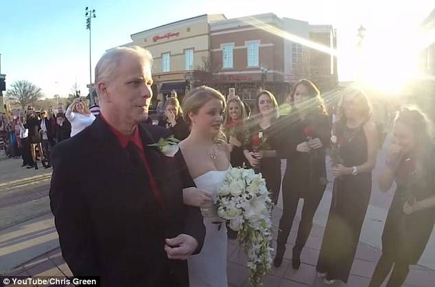 244321A200000578-0-Big_day_Her_father_walked_her_down_the_aisle_as_her_bridesmaids_-a-76_1419538627753