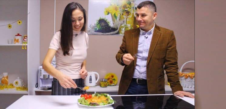 Foto: Sergiu Beznițchi stârnește poftele! Gătește pârjoale de post!