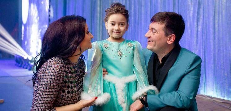 Foto: Fiica lui Costi Burlacu s-a lansat în muzică!