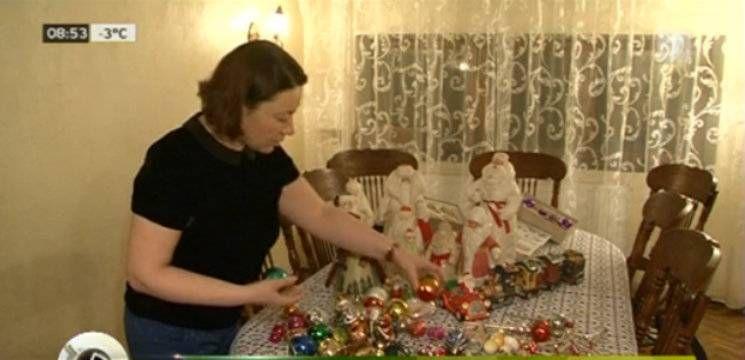 Foto: Ludmila Andronic colecționează jucării pentru brad din anii '60!
